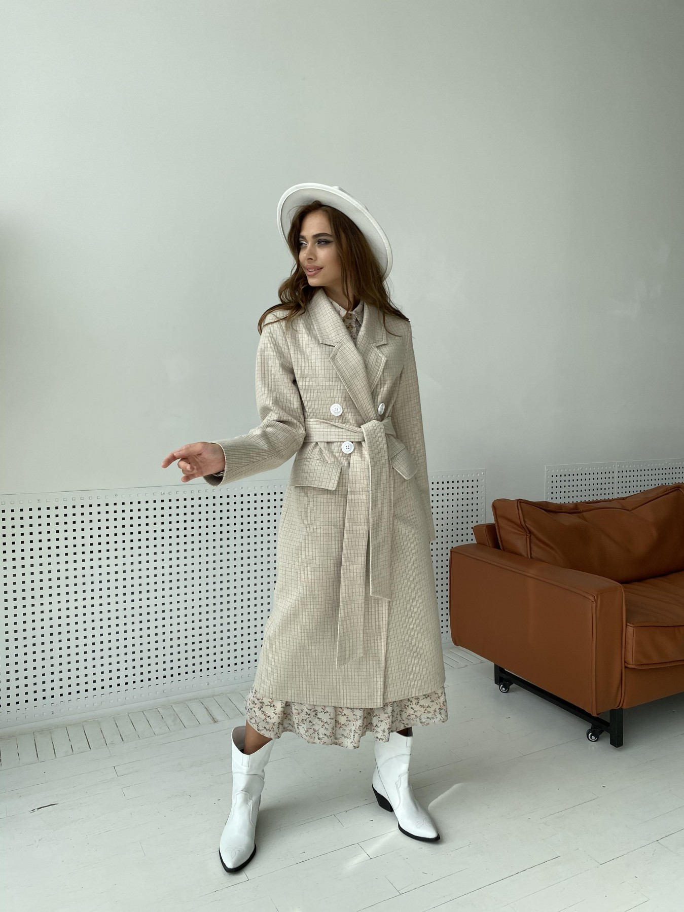 Статус пальто из тонкого кашемира в клетку 11780 АРТ. 48520 Цвет: Бежевый/молоко/КлетМел - фото 1, интернет магазин tm-modus.ru